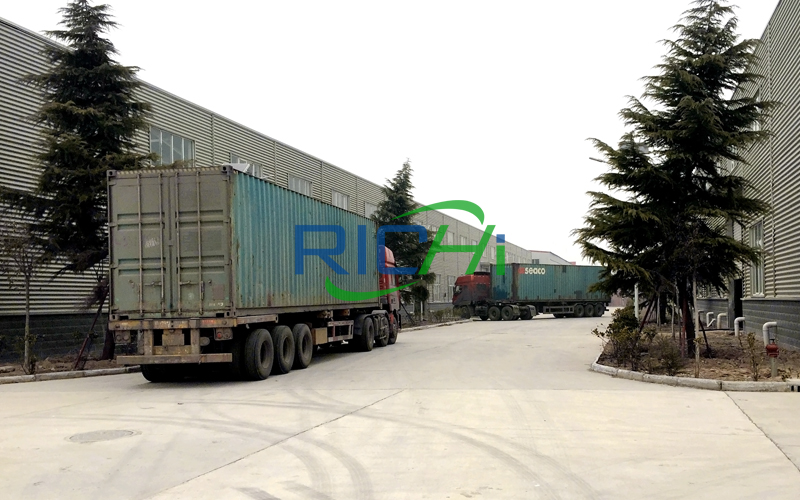 Delivery of feed pellet line equipment