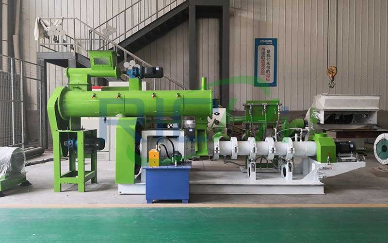 What are the characteristics of RICHI machinery's feed extruder