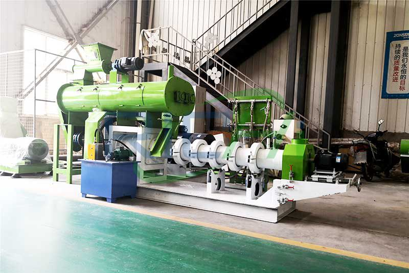 Cote D'Ivorie 300-400kg/H Floating Fish Feed Line