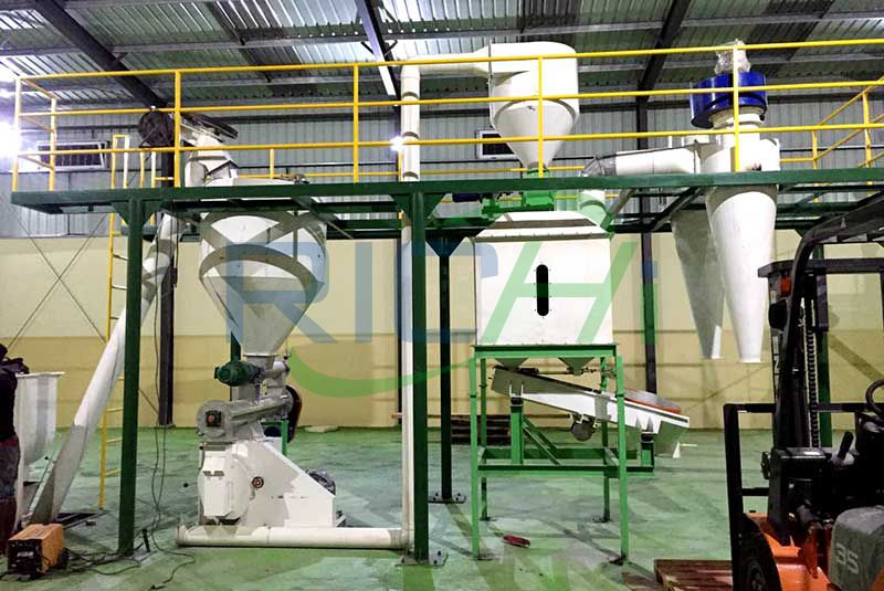 Zimbabwe 3-5T/H Poultry Feed Pellet Production Line