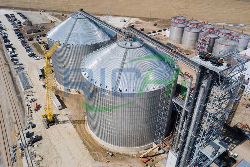Large capacity steel silo